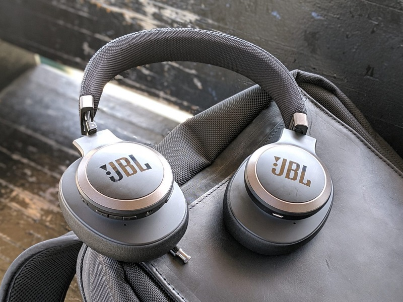 JBL 560BT Bluetooth headset1 - بازار جانبی
